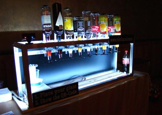 5 robotic bartenders to celebrate Cinco de Mayo 10