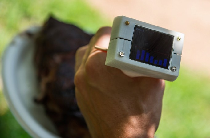 Five students create the perfect grilling thermometer 3