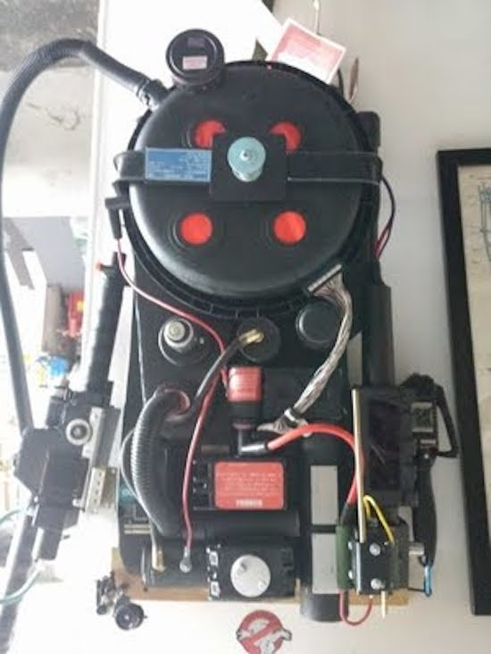 Maker builds his own Ghostbuster proton pack 3